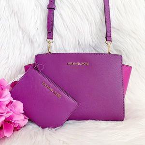 Michael Kors Selma MD Messenger W/Matching Wallet